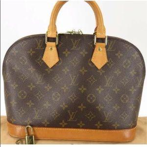 DISCONTINUED💕Louis Vuitton Alma handbag